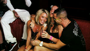 The Sitch of Jersey Shore in isolation with a 2 set [2 girls]