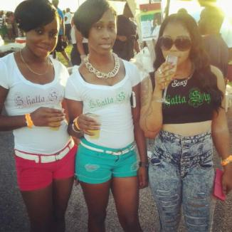 Girls under 18 drinking in Antigua and Barbuda
